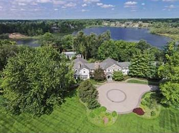 Waterfront homes in MI