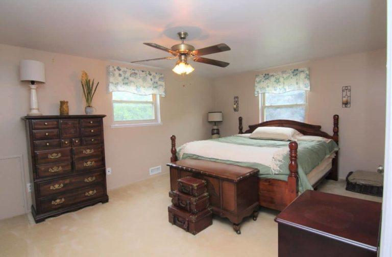2451 Valleylane Dr Bedroom 2