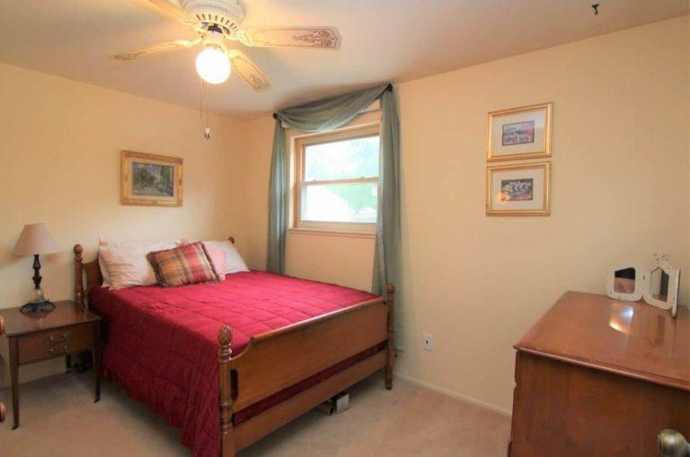 2451 Valleylane Dr Bedroom 3