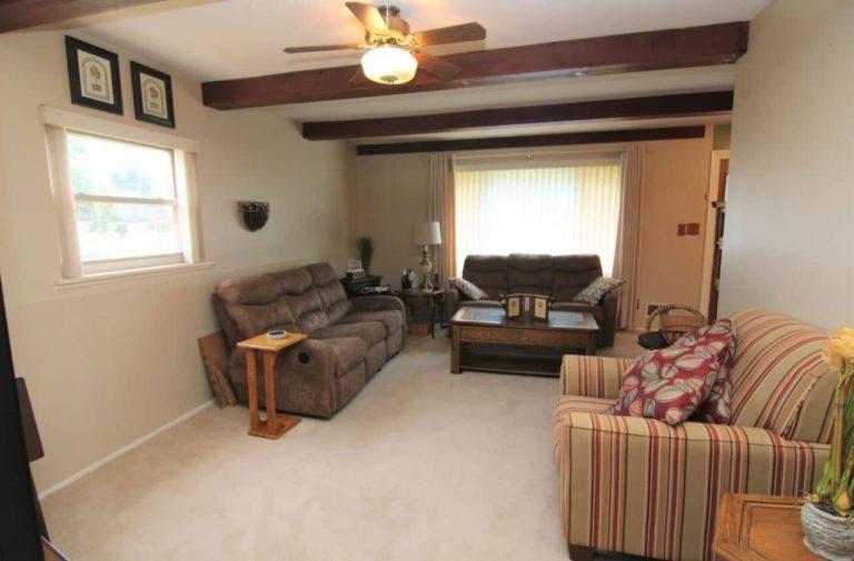2451 Valleylane Dr Living Room