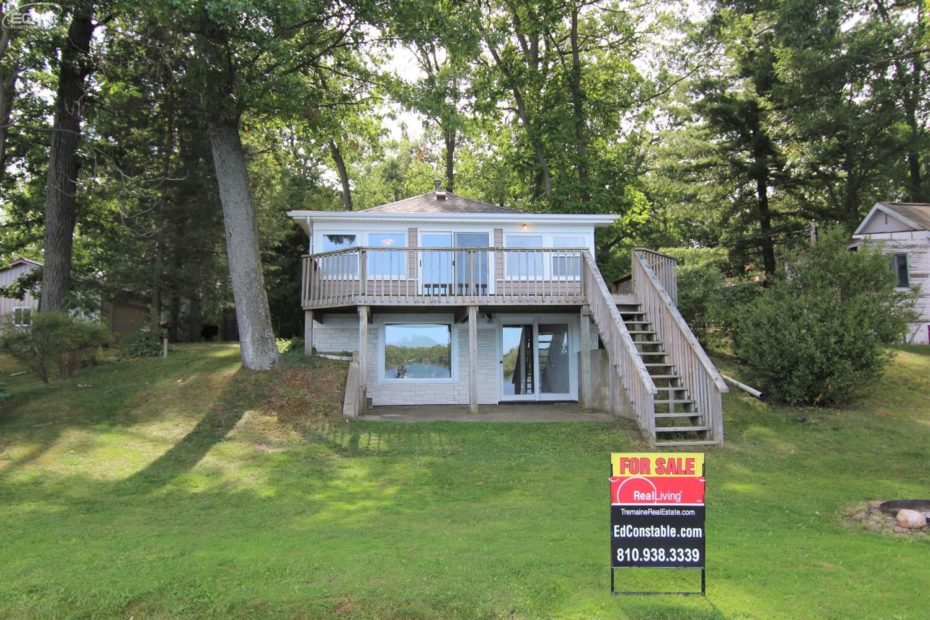 11453 Koth Dr Linden MI For Sale by Ed Constable