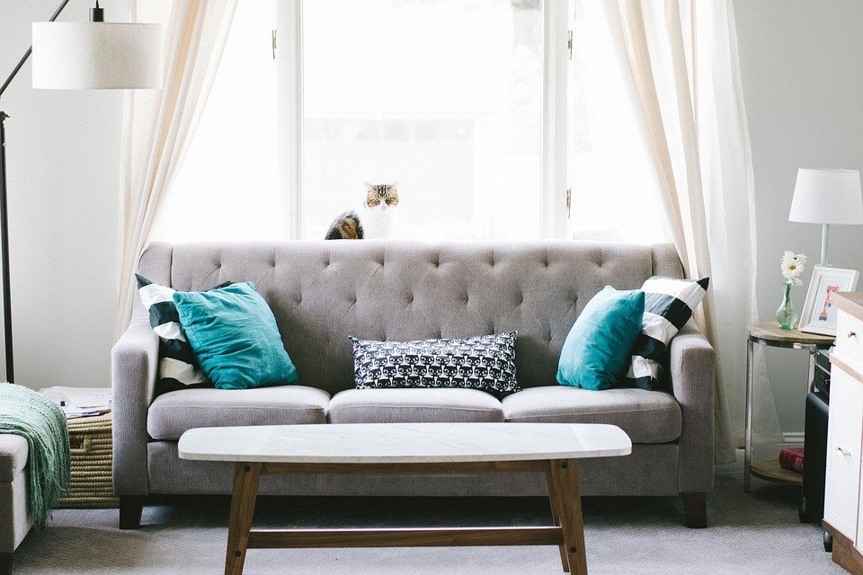 Home Staging Tips for Your Living Room to Appear Bigger ...