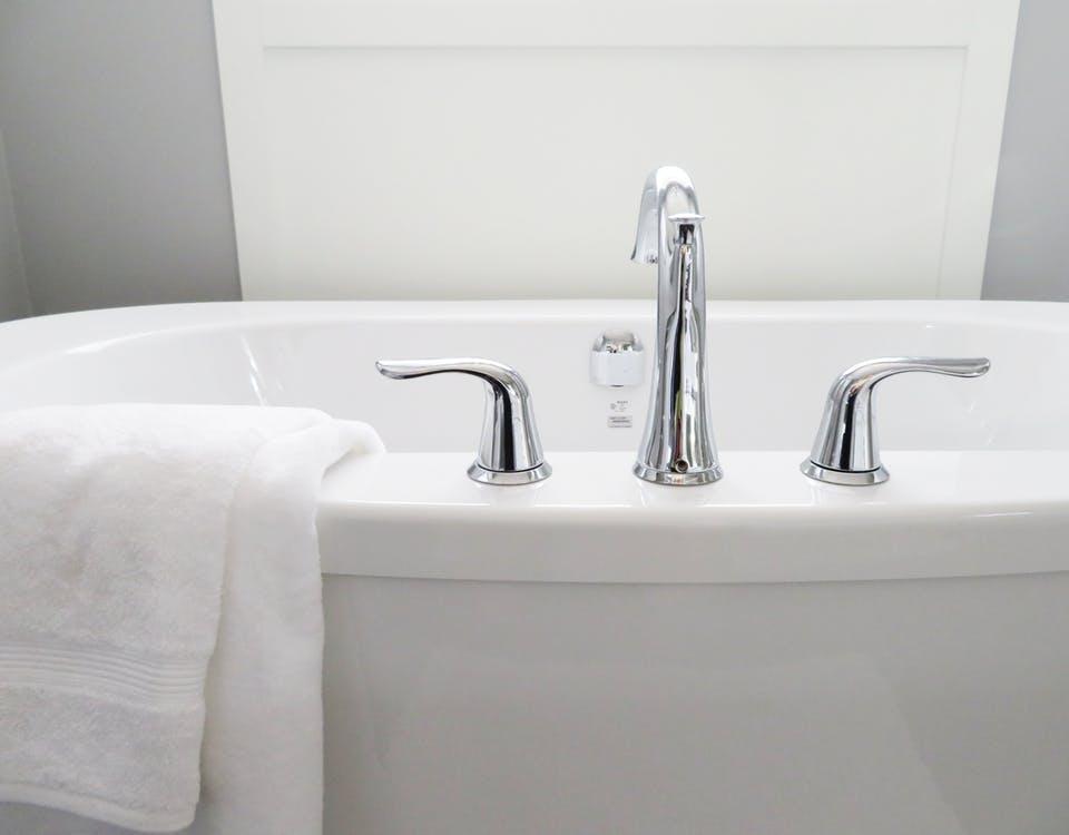 Choosing the Best Fixture for Your Bathroom Faucet - EdConstable.com