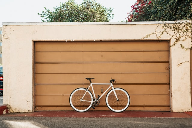 How to Efficiently Organize Your Garage